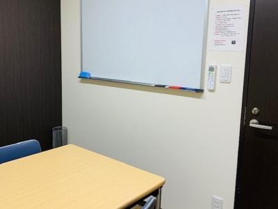 106号室の室内 - 埼玉カンファレンスセンター 【浦和:八千代ビル】106号室の室内の写真