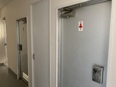 トイレは男女別です - 貸会議室 AI貸会議室の室内の写真