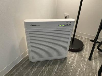 空気清浄器もあります♪ - 関内レンタルサロンyou 整体・マッサージ・エステの室内の写真