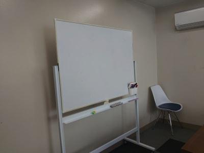 〈フロール天王寺〉 会議室、多目的スペースの設備の写真