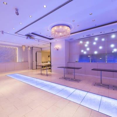 イベントや物産展、撮影会など幅広くご利用可 - 丸の内レンタルスペース貸し会議室 東京駅丸の内会議室の室内の写真