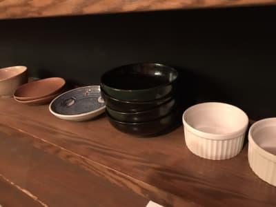 皿類 14枚(種類ばらばら) - レンタルBar レンタルスペース パーティーやセミナー使いにも◎の設備の写真