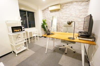 【南森町ミニマルオフィス】 南森町ミニマルオフィスの室内の写真