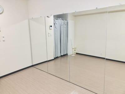 レンタルスタジオカベリ横浜4号店の室内の写真