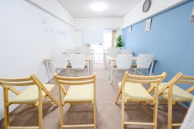 天神FRIENDSⅧ 広い・安い・綺麗な会議室!の室内の写真