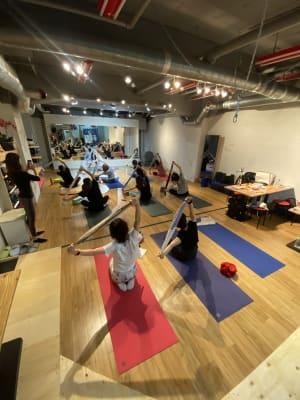 ソーシャルデァスダンスでは、10名程度可能です - MON基地ベース フリースペース 貸しスタジオの室内の写真