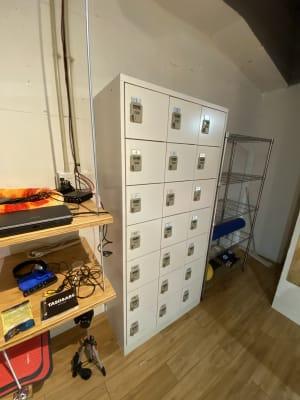 勿論、スタジオ内にも貴重品ロッカーあります - MON基地ベース フリースペース 貸しスタジオの設備の写真