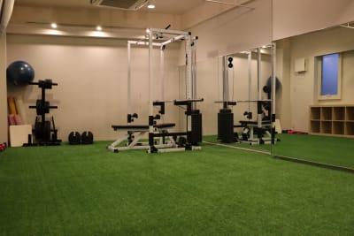 カラダメンテ レンタルトレーニングジムの室内の写真