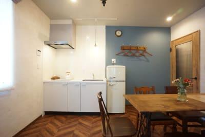7Rooms Hotel キッチン完備の新築ホテル客室!の室内の写真