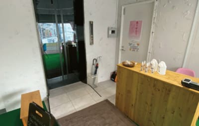 女性専用プライベートジムYuga Yugaシェアサロンの入口の写真