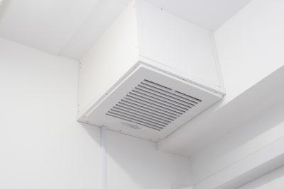 大容量の換気扇も新設  コロナ対策強化してます  - 馬車道レンタルサロン 無限大 馬車道/関内レンタルサロン無限大の室内の写真