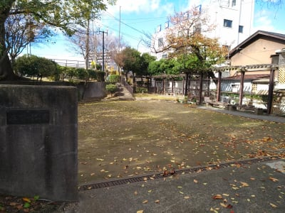 阪神尼崎駅からアルカイックホール西側の庄下川公園を北上 - Reborn つどい場の入口の写真