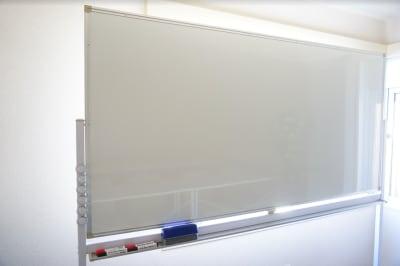 【レインボー会議室】 レインボー会議室の設備の写真