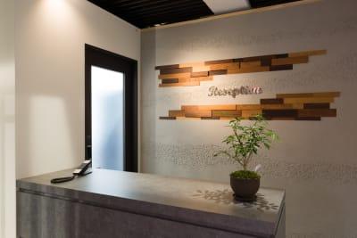受付(セキュリティエリア内) - Regg Aoyama REGG-1名部屋 Aタイプの入口の写真