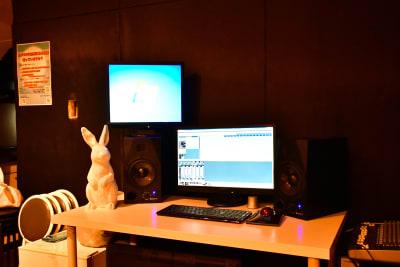 簡易レコーデシングも可能 (有料) - ラビートスタジオ 天神駅4分多目的スタジオの室内の写真