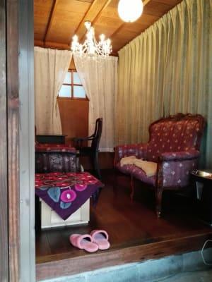 バックにカーテンをひくとこのようになります。 - Toga40(とがよんじゅう) 貸し個室の室内の写真