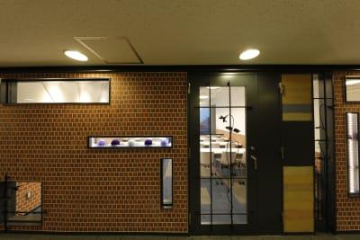 入口扉 - 恵比寿カルフール Cルームの室内の写真