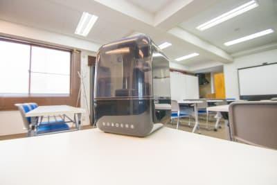 こちらの施設はウイルスの感染予防対策として 次亜塩素酸水を利用する加湿器を設置しております。 - AMP FLAT R.S Rental Spaceの室内の写真