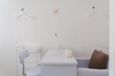 壁側 - レンタルサロンモンレーブ2号店 プライベートサロンの室内の写真