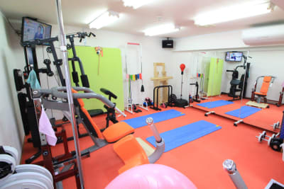 TRAININGROOMWaKa トレーニングジム(個室・貸切)の室内の写真