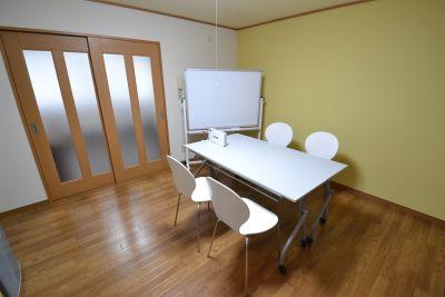 小岩駅2分の貸会議室 レンタルスペース こいわくん 貸セミナールームの室内の写真