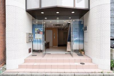 RIVERSUITES 多目的スペース【1階】の入口の写真