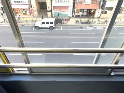 窓は落下防止のため、一部しか開かないようにしております。 - L&Cスペース日本橋駅前 A号室のその他の写真