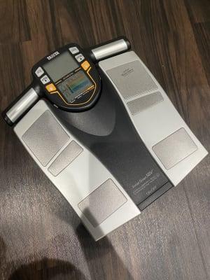 体重計 - ビオスさいたま新都心店 トレーニングルームの設備の写真
