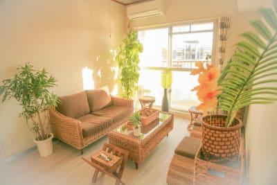 南国の雰囲気をお楽しみください - Chikusa Premium Goen Premiumの室内の写真