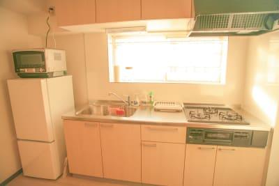キッチンは全て新品にリノベーションしております - Chikusa Premium Goen Premiumの室内の写真