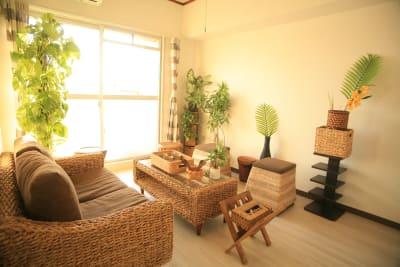 観葉植物からアジアンリゾートの雰囲気を体感できます - Chikusa Premium Goen Premiumの室内の写真