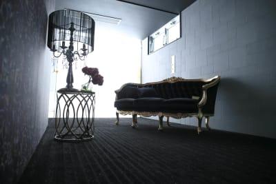 Eスタジオ - MONOスタジオ 撮影レンタルスタジオの室内の写真