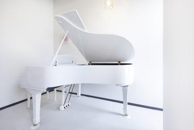 お部屋は7畳程度です。 - ピアノスタジオコローレ レンタルピアノスタジオの室内の写真
