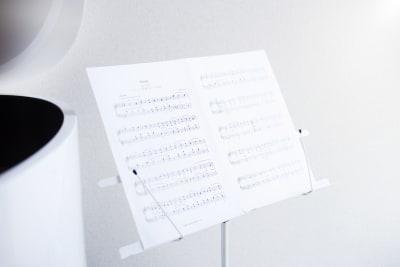 譜面台は3つあります。 - ピアノスタジオコローレ レンタルピアノスタジオの設備の写真