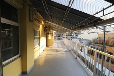 4Fバルコニーです。 - 屋上スタジオレンタル【えこてん】 屋上撮影スタジオ、ロケ地の室内の写真