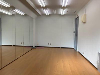 レンタルスタジオ Sunny 高田馬場駅1分のダンススタジオの室内の写真