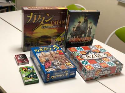 必ずゲームオプションをご購入下さい。 ご利用後は綺麗に戻して下さい。 - JK Room 上野駅前店 パーティースペースの室内の写真