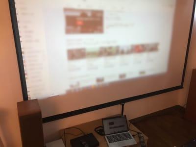 HDMIケーブルでPCなどからも接続できます🌈 - レンタルームふじみ野 音楽♪🆗 映画会、誕生日会等✨の室内の写真