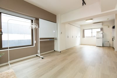 キッチン周辺は機材や荷物を置く場所としてお使い頂けます♪ - TS00169代々木 マルチメディアスペースの室内の写真