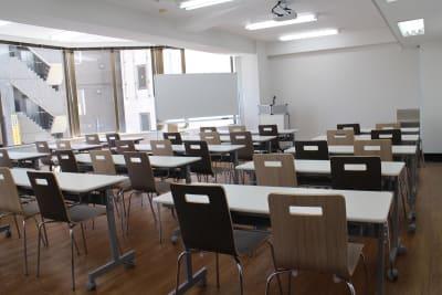 新宿・渋谷・代々木エリア 激安会議室 - ONE DAY OFFICE TOKYO 新宿渋谷代々木オンラインセミナーの室内の写真
