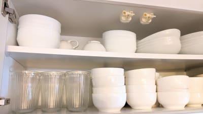 食器・カトラリー豊富にあります - スタートアップカフェ レンタルスペース、レンタルキッチンの設備の写真