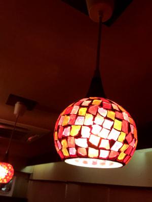 カウンター上の照明 - レンタルBar レンタルスペース パーティーやセミナー使いにも◎の設備の写真