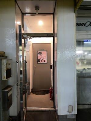 スタジオM  第2 京成稲毛駅前 ダンスレンタルスタジオBルームの入口の写真