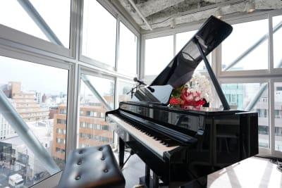 ローランドの電子ピアノあります - 歌声ピアノサロンメロディー ピアノサロンメロディーの室内の写真