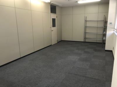 トンダンススクール 多目的ルーム、用途は様々です。の室内の写真