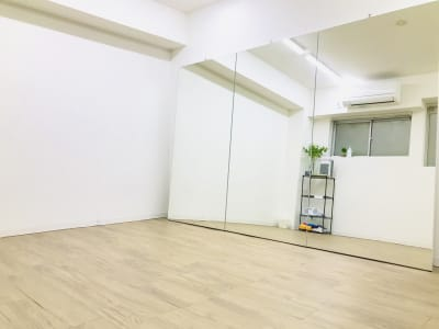 オスピタリタSTUDIO ダンススタジオの室内の写真