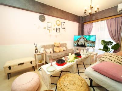 50v大型テレビでNetflix見放題🎬女子会やおうちデートに最適です❣🤗 - ブラピ池袋 ガーリーなフレンチモダンスペースの室内の写真
