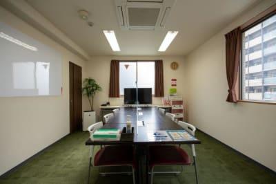 窓を開けて換気していただけます。 - Kyoto de Meeting On Air /オンエアーの室内の写真