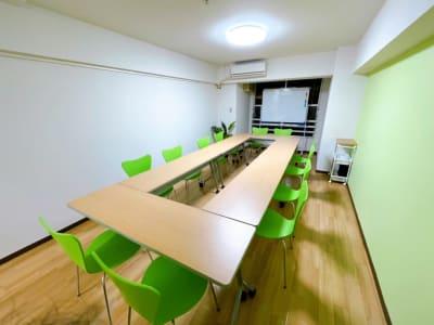 MeetingSpace新大阪の室内の写真