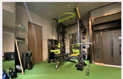 cestlavie代官山 トレーニングルームの室内の写真